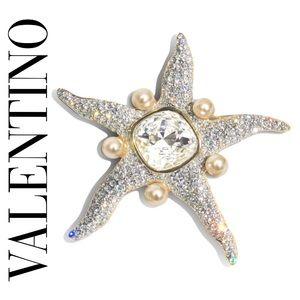 VALENTINO VINTAGE STARFISH-SHAPED LIZ TAYLOR PIN